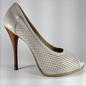 Shoes - In the Nude